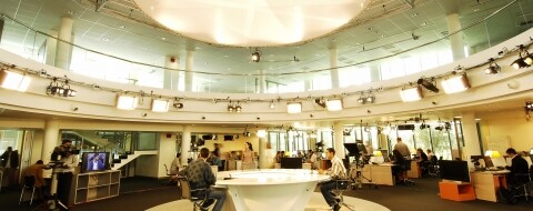 La newsroom de Medi 1 TV. AIC PRESS